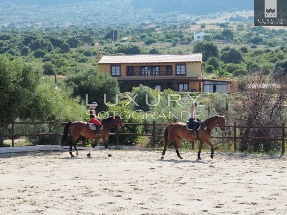 Excellent opportunity to acquire a luxurious Spanish country estate with Equestrian facilities