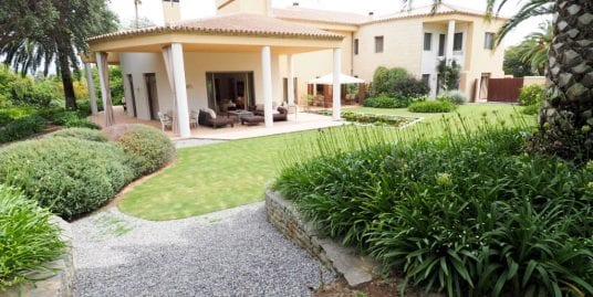 Exclusiva villa en venta en Sotogrande Costa