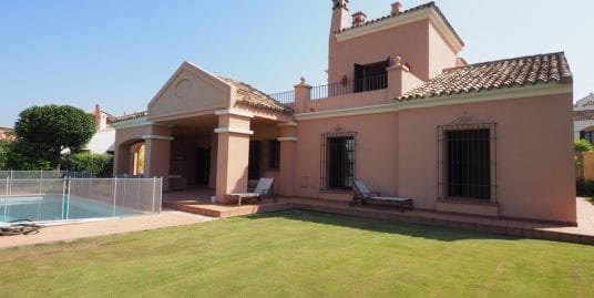 Stunning front line villa for rent in Cortijos de la Reserva Sotogrande with magnificent views over La Reserva golf course