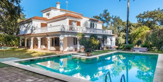 Contemporary Villa for Sale in Sotogrande