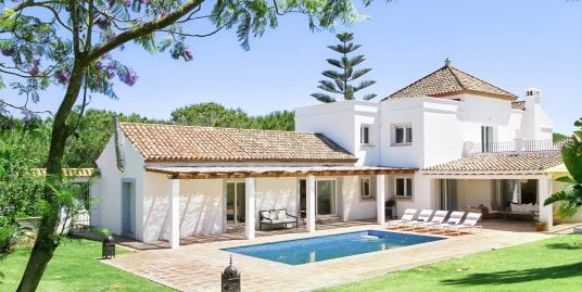 Recently Renovated Stylish Villa for Holiday Rental in Sotogrande Alto