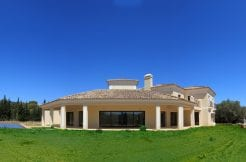 Stunning villa for sale in Altos de Valderrama Sotogrande