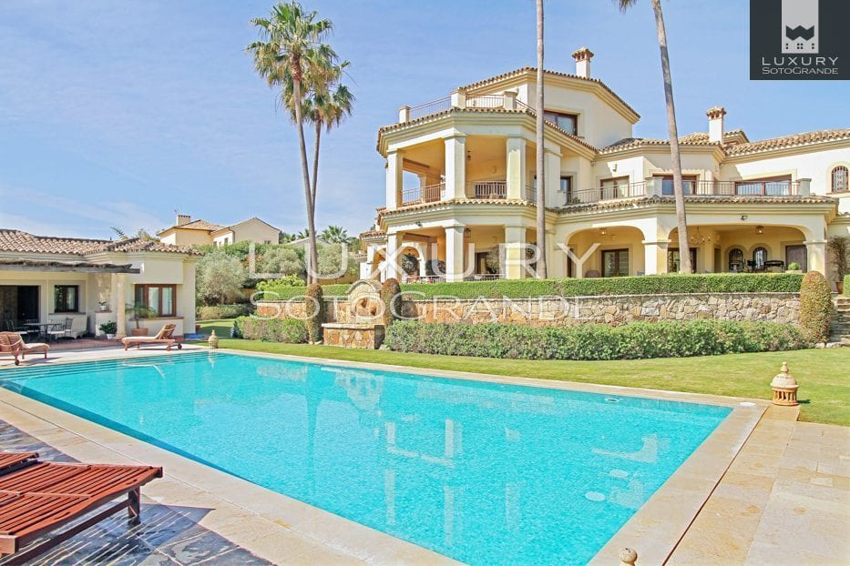 Stunning Villa for holiday rental in Sotogrande Alto.  HR