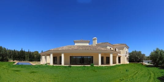 Superb Villa in Altos de Valderrama