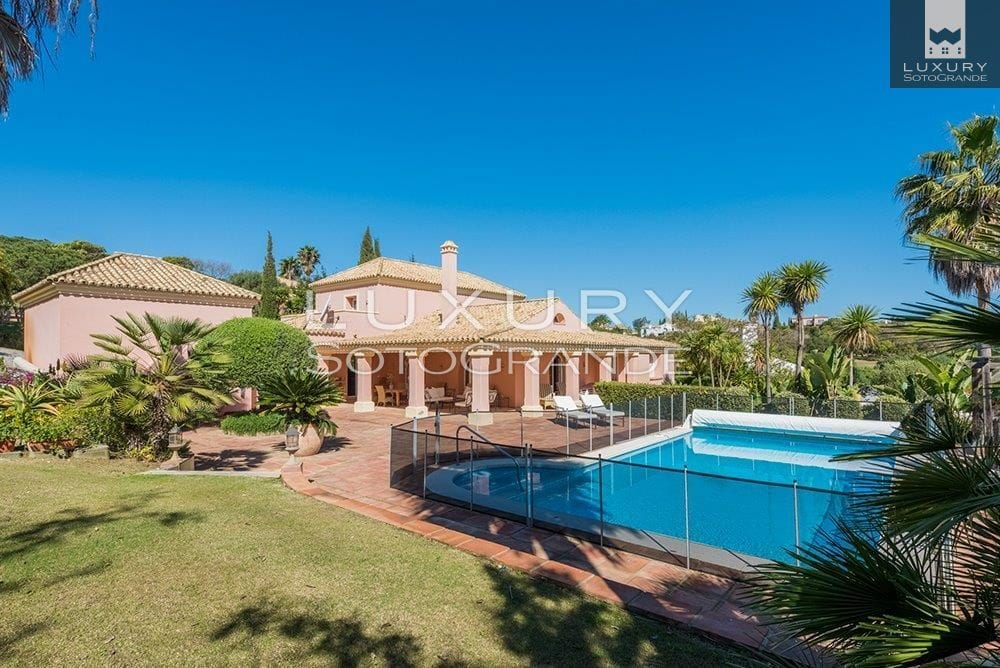 Lovely villa for sale with lovely views, Sotogrande Alto