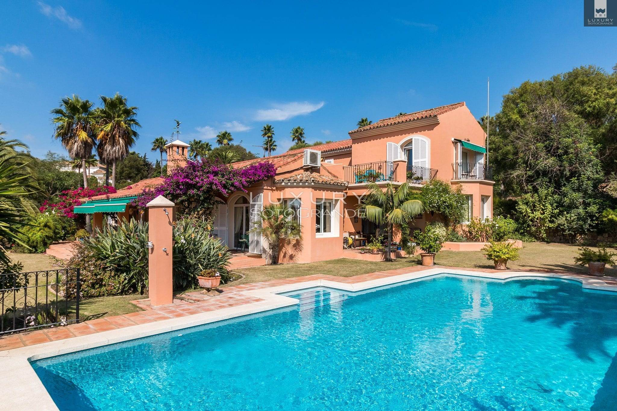 Charming villa for sale Sotogrande Alto