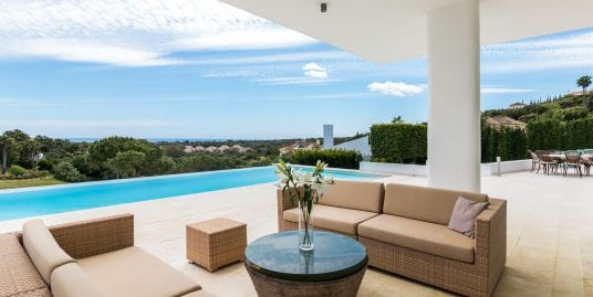 Fabulous front line golf villa for sale Sotogrande Alto