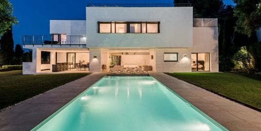 Luxury modern villa located in Sotogrande Costa