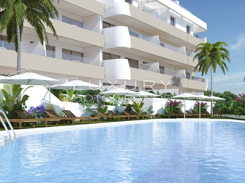 A8_Pier_apartments_Sotogrande_pool1_Mz 2019