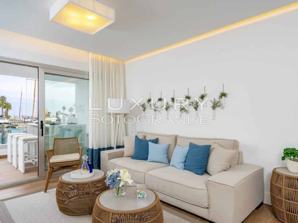 B3_Pier_apartments_Sotogrande_salon