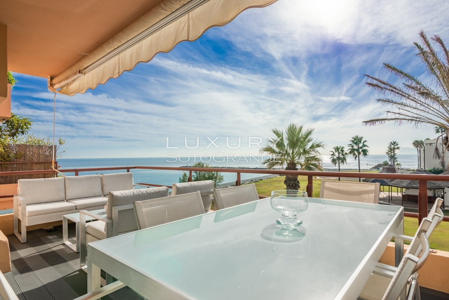 Apartment for sale with stunning sea views, Paseo del Mar, Sotogrande