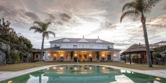 Spectacular villa for sale located in Sotogrande Alto