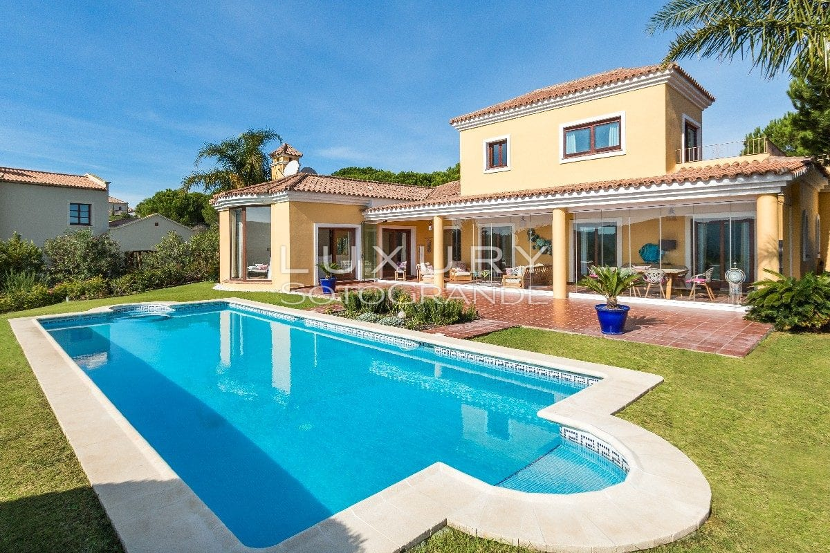 Wonderful family home with view to the lake and Almenara golf course
