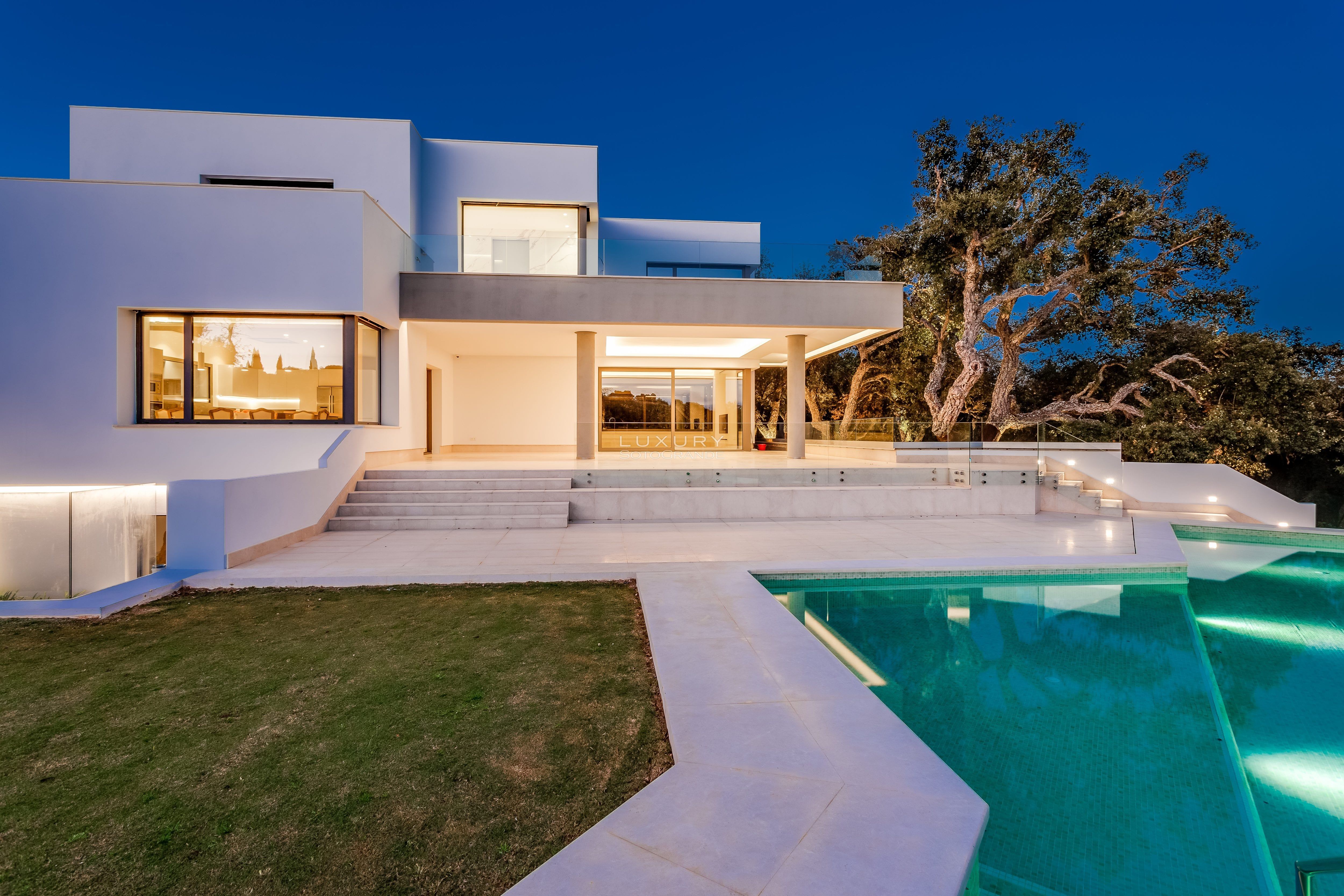Stunning Contemporary villa for sale in Sotogrande Alto