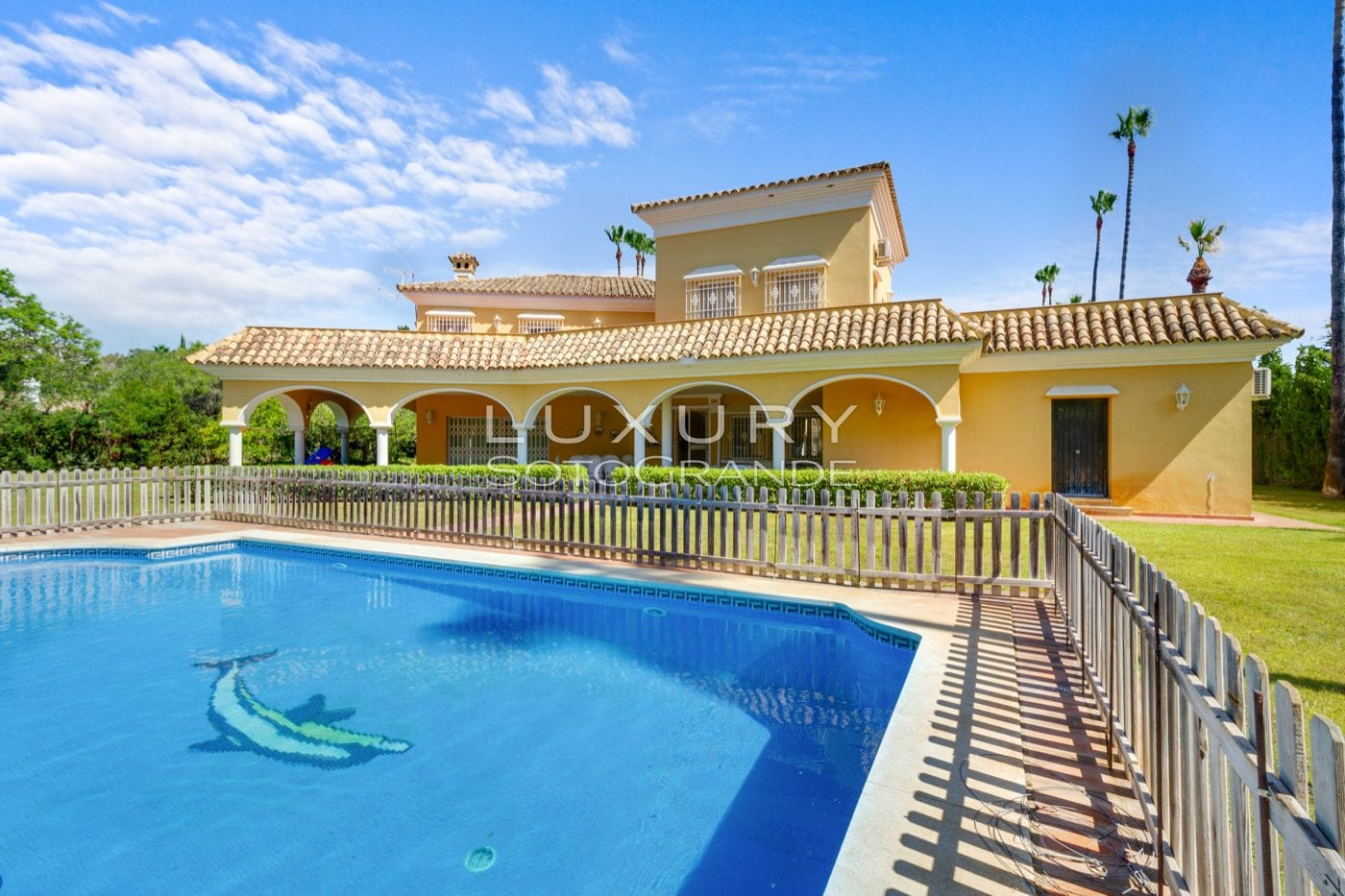 Family villa for rent in Kings and Queens Sotogrande