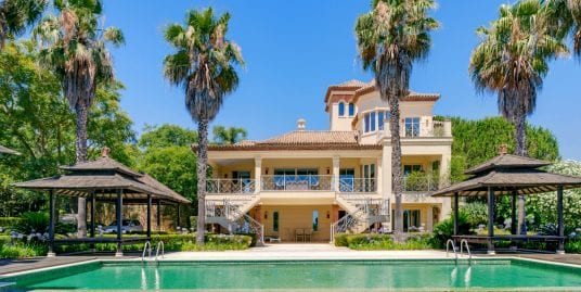 Stunning villa with incredible views for rent in Sotogrande Alto