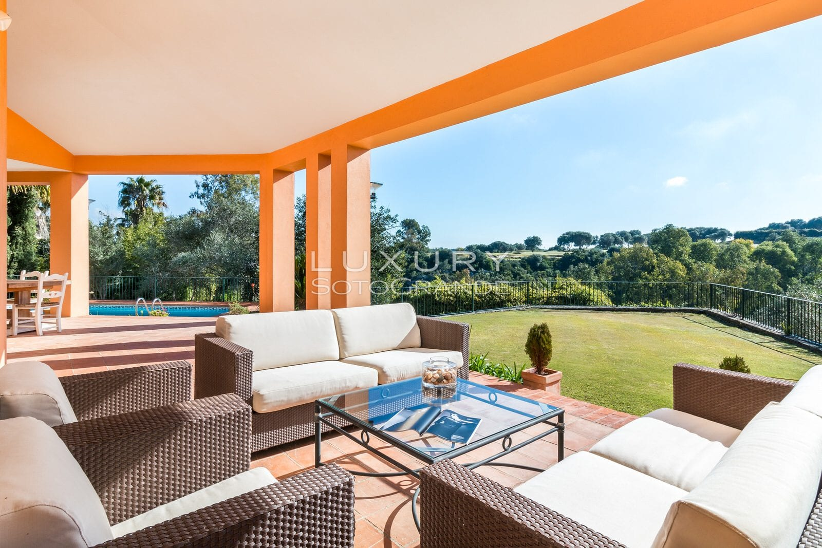 Beautiful villa situated in a quiet part of Sotogrande Alto for sale