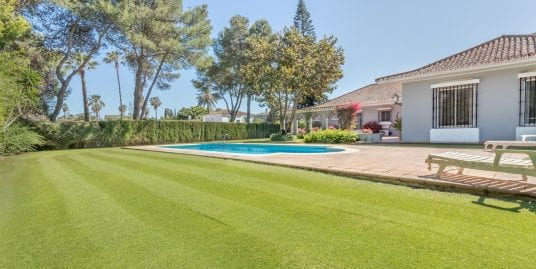 Traditional family villa for sale in Kings and Queens, Sotogrande