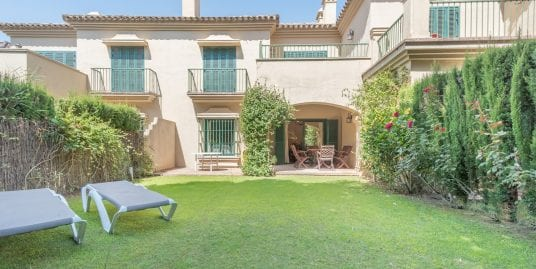 Fantastic townhouse for sale in El Casar, Sotogrande Costa