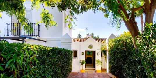 Delightful 4 bedroom villa in Sotogrande Alto