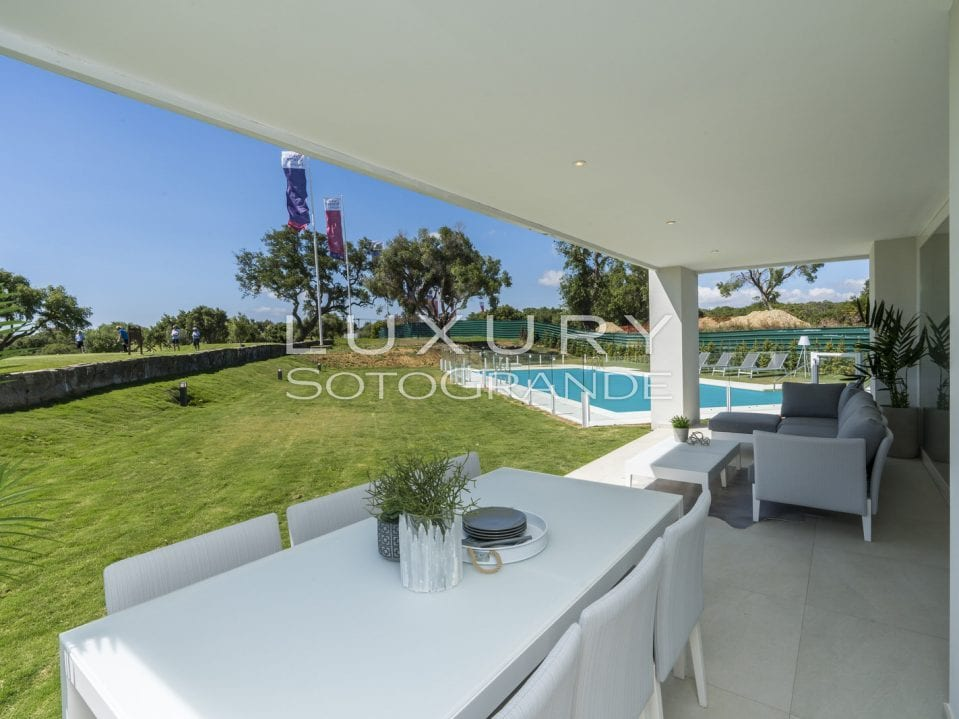 A8-Emerald Greens-apartments-San Roque-Terrace-terrace