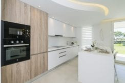 B7-Emerald Greens-apartments-San Roque-Kitchen