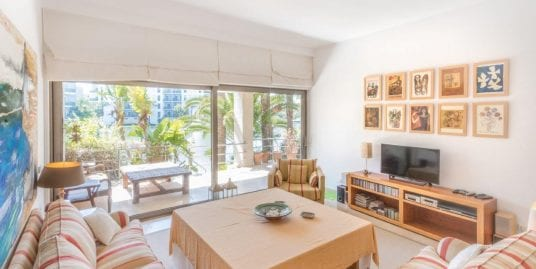 Modern and spacious groundfloor apartment for sale in the exclusive Pez Barbero Island