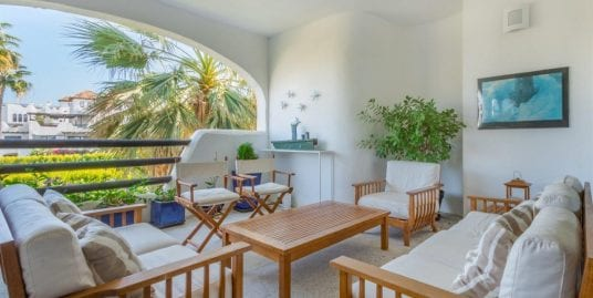Spacious Apartment for sale in 'El Polo' Urbanization