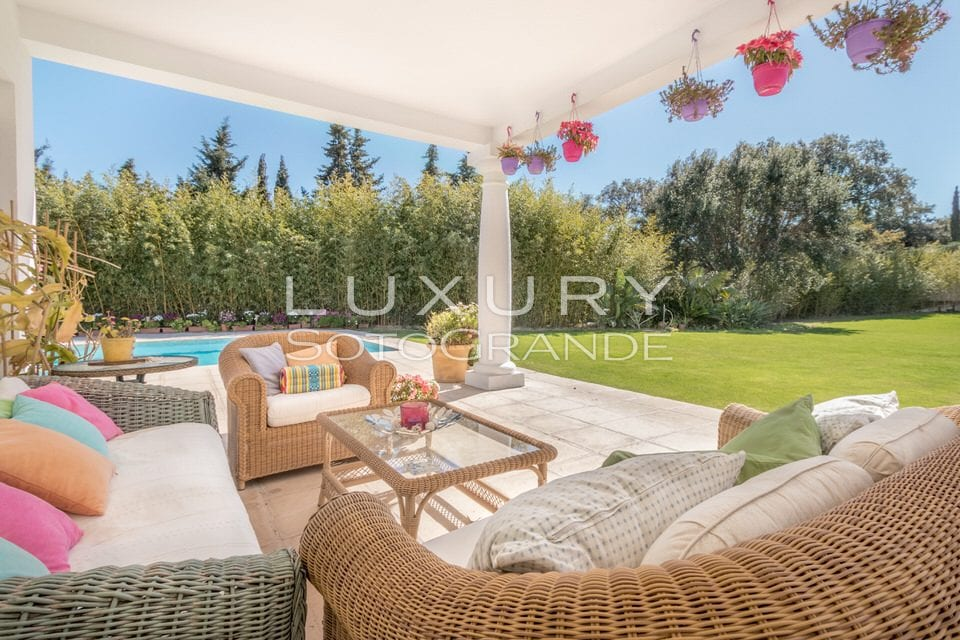 Modern style family home for sale in Sotogrande C zone