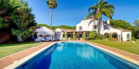 Protected: Beautifully decorated villa bordering the 14th hole of Real Club de Sotogrande, Sotogrande Costa