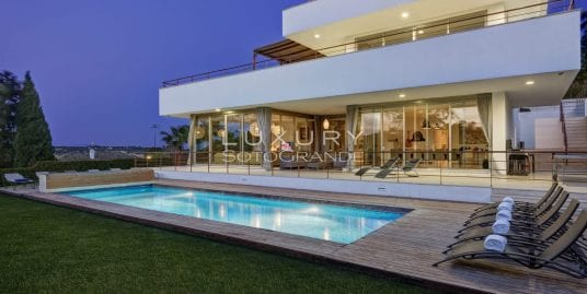 Stunning recently refurbished villa for rent in Sotogrande