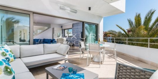 Stunning Duplex located in Pez Barbero Marina Sotogrande