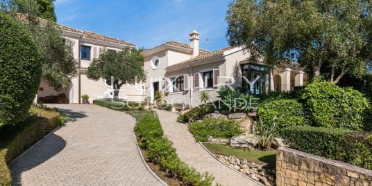 Idyllic family home for sale Sotogrande Alto
