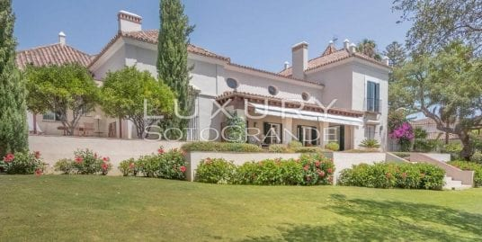Villa for sale in Kings and Queens, Sotogrande Costa