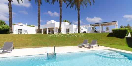 Stunning contemporary villa for rent in La Reserva, Sotogrande