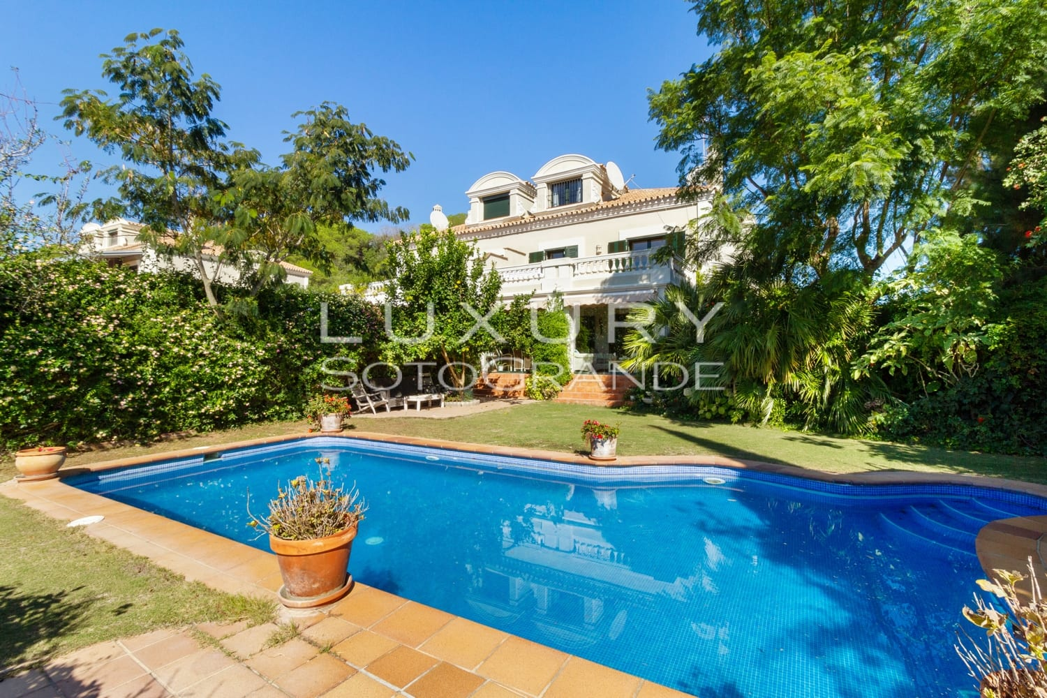Spectacular semi detached house for sale, Sotogolf, Sotogrande
