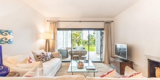 Spacious ground floor apartment for sale in El Polo, Sotogrande