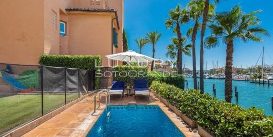 Fabulous apartment for sale in Ribera del Gurami, Sotogrande Marina