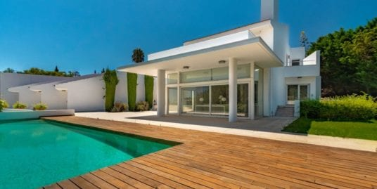 Wonderful frontline golf villa for sale , Sotogrande Alto