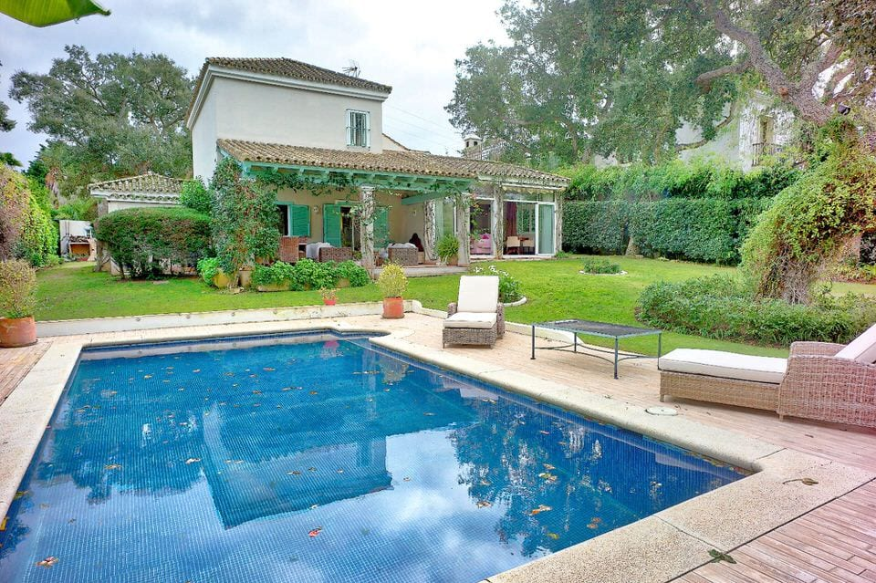 Charming villa for sale in Sotogrande Alto