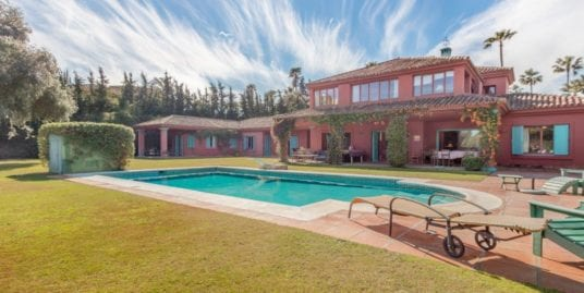 Andalucían Style villa for sale in Sotogrande Costa