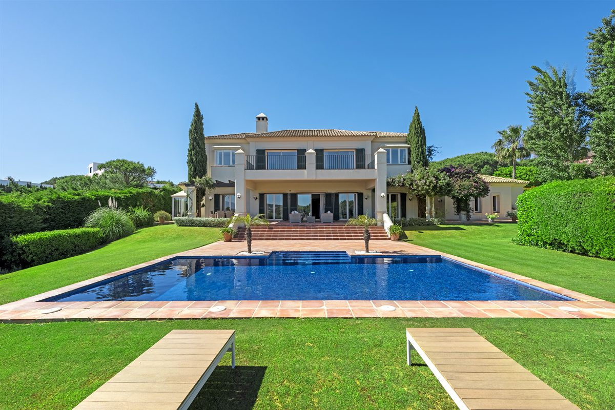 Stunning family home with panoramic views , Sotogrande Alto