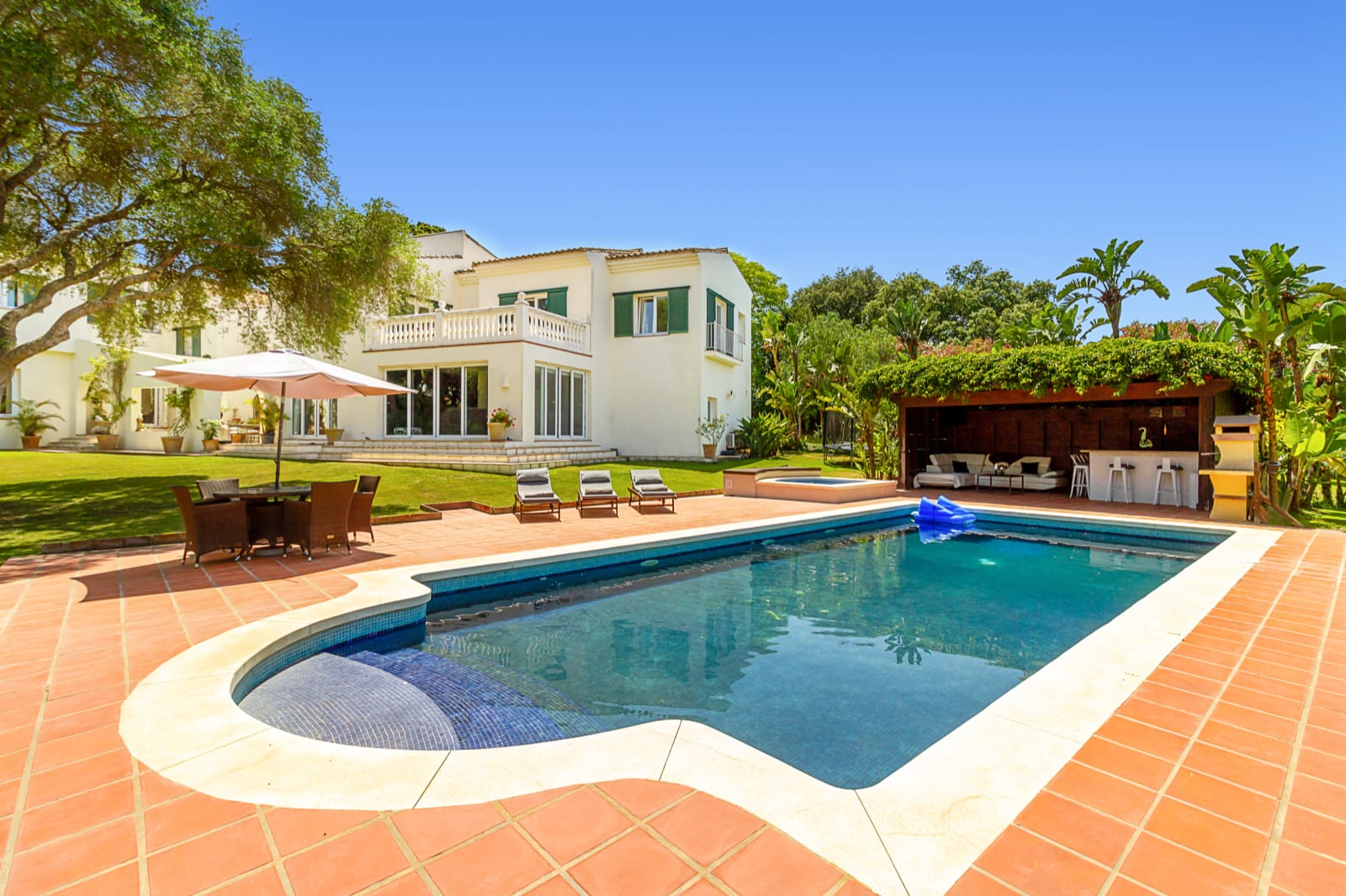 Recently renovated family villa for rent, Sotogrande Costa